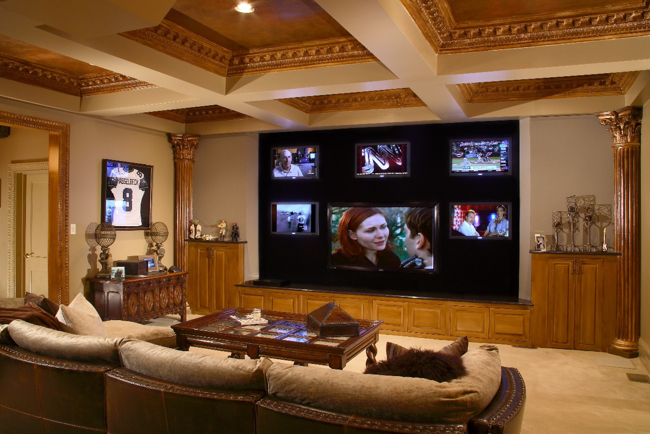 Superbe Home Entertainment System Theater Automated