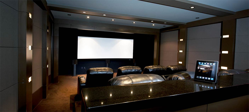 Bon Savant In Action At A Nice Home Theater With Full Integration Of Light And  Entertainment